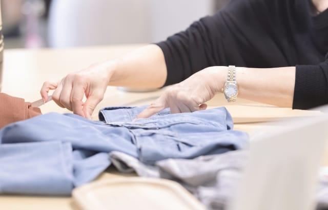 洋服の廃棄方法とメリットを徹底解説!タイミングや注意点なども紹介