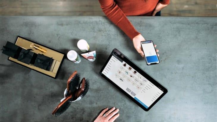 アパレルの仕入れはどこでする?ネットやオフラインでの仕入れ方法をご紹介!